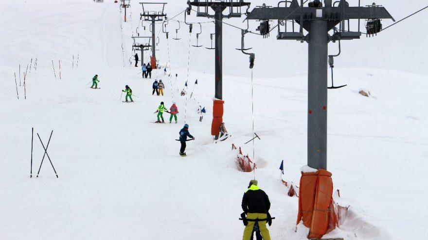 Beyaz cennet Davraz'da sezon renkli başladı