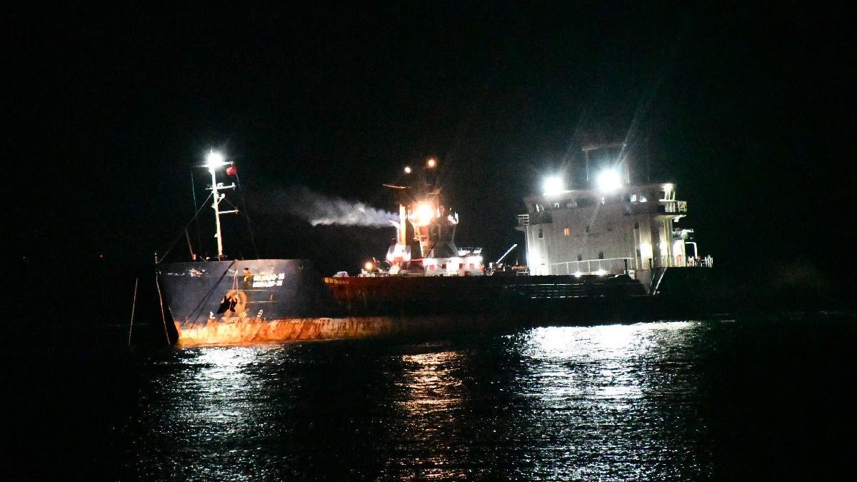 Tekirdağ'da karaya oturan gemi kurtarıldı!