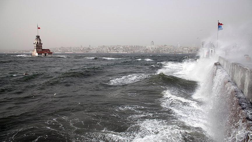 İstanbul'a fırtına ve kuvvetli sağanak yağış uyarısı! Metrekareye 100 kg yağış...
