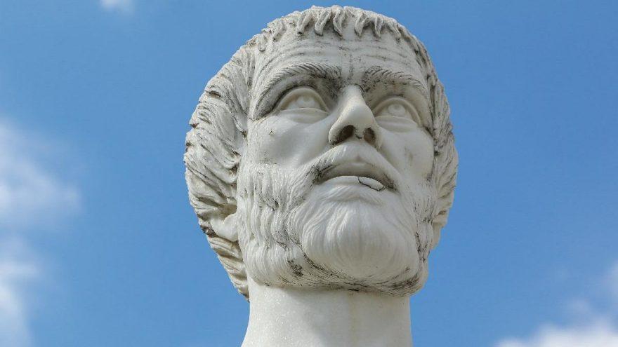 Assos'ta felsefe 20. yılında