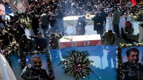 İran'da tarihi gün... Yüz binlerce insan toplandı