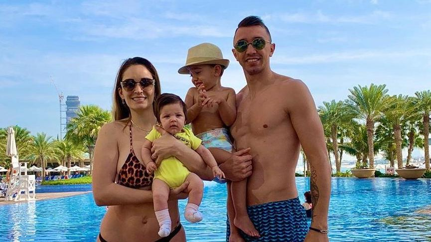 Muslera ve ailesi Dubai tatilinde