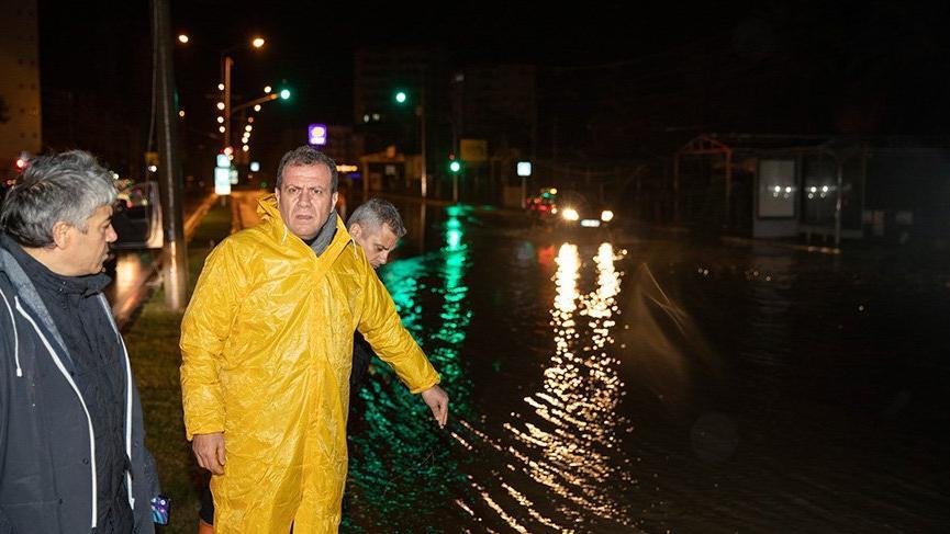 Mersin'de sel felaketi: 1 kişi göçük altında kaldı