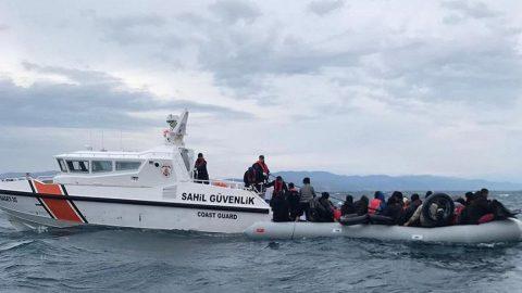 Felaketin eşiğinden dönüldü: Fırtınalı havada denize açılan 193 göçmen yakalandı