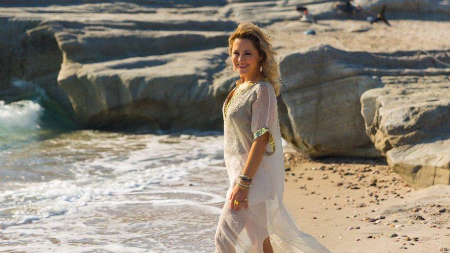 Pınar Aylin evinde klip çekti
