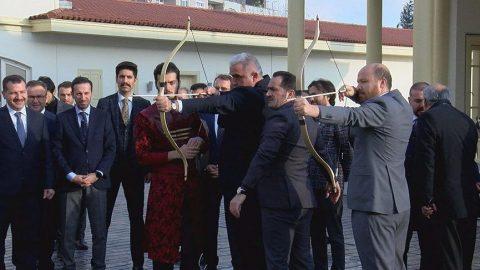 Turizm Bakanı Ersoy'dan Okçular Vakfı'na ziyaret!