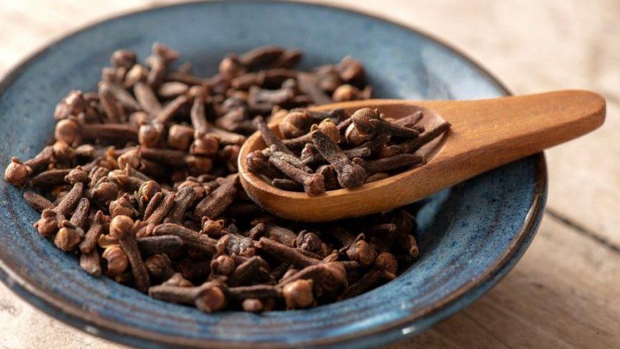 Karanfil kaç kalori? Karanfilin besin değerleri