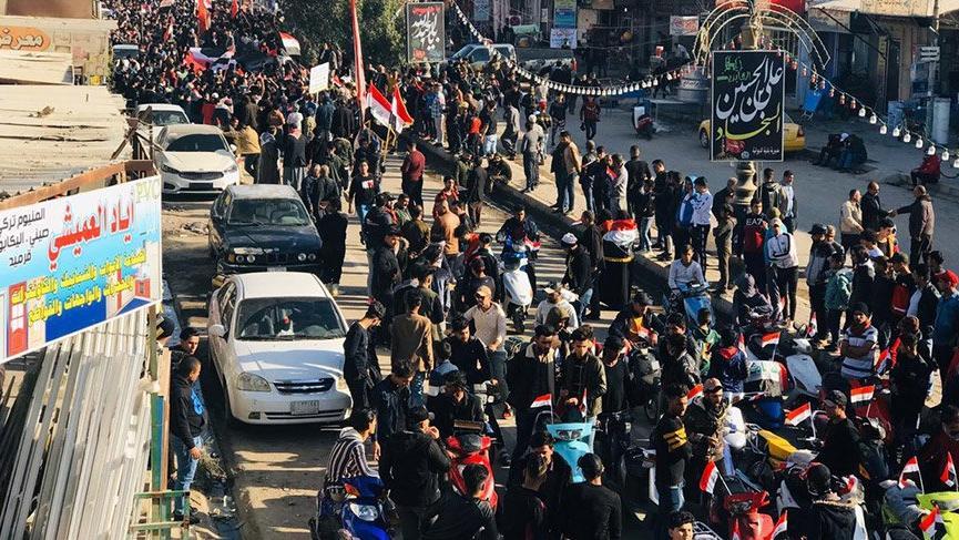 Irak'ta protestolar alevlendi! 2 gazeteci öldürüldü