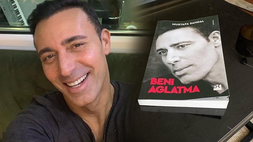 Mustafa Sandal kitap çıkardı, eski eşi Emina'ya övgüler yağdırdı