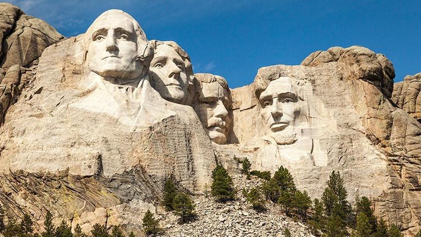 ABD'nin en önemli sembollerinden Rushmore Dağı