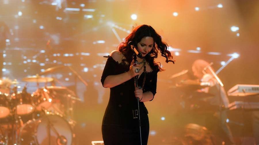 Şebnem Ferah Bostancı'da konser verdi, kadın cinayetlerine değindi