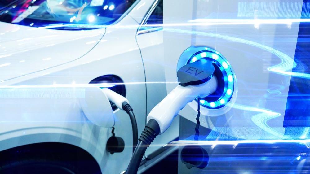 Türkiye'de kaç adet hibrit ve elektrikli otomobil satıldı?