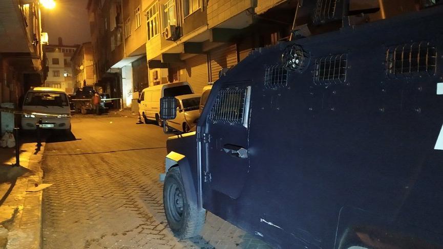 Beyoğlu'nda iş yerine silahlı saldırı! 6 el ateş açtılar