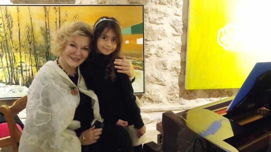 Piyanonun altın kızı Nil, idolü Gülsin Onay'la aynı sahnede