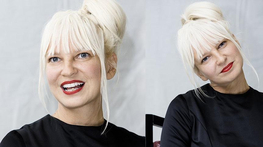 Ünlü şarkıcı Sia evlat edindi