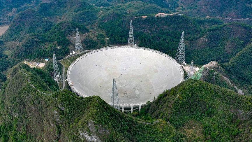 Çin'in dev teleskobu FAST resmen faaliyete geçti