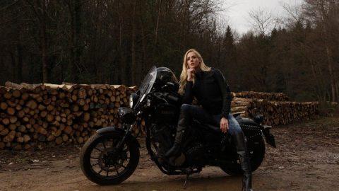 Wilma Elles'ten motosiklette güvenli sürüş uyarısı