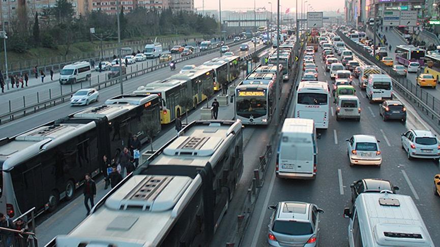 İstanbul'da annelerin ücretsiz ulaşımına şartlı onay!