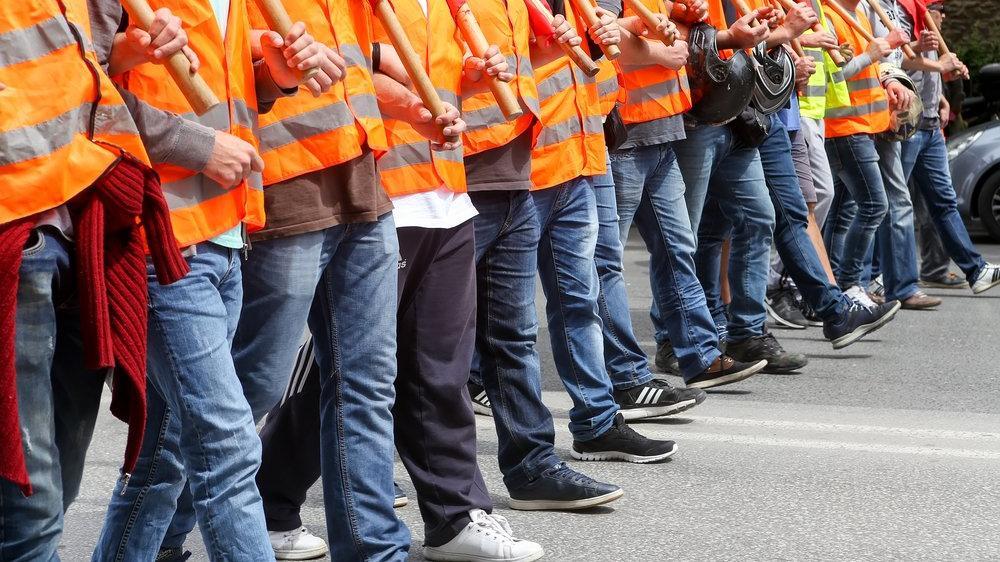 Sanayinin kalbinde 130 bin çalışan için grev kararı