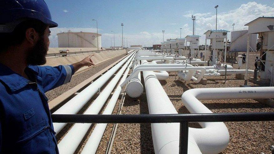 Libya zirvesi sürerken ülkenin petrol akışının durduğu iddia edildi