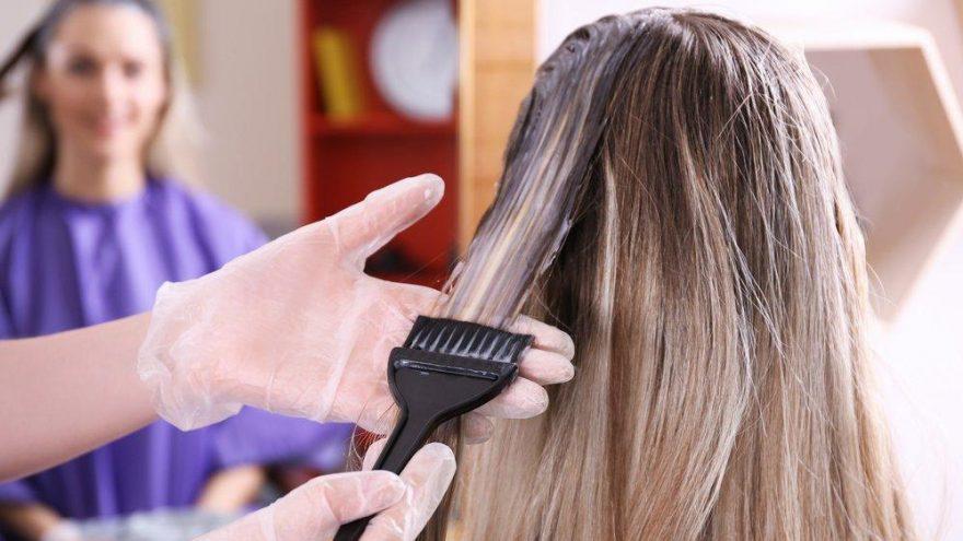 Boyadan sertleşen saçlar nasıl yumuşar?