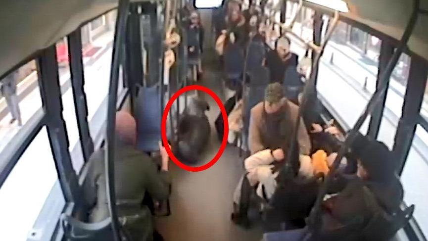Halk otobüsünde korku dolu anlar! Yolcular böyle savruldu