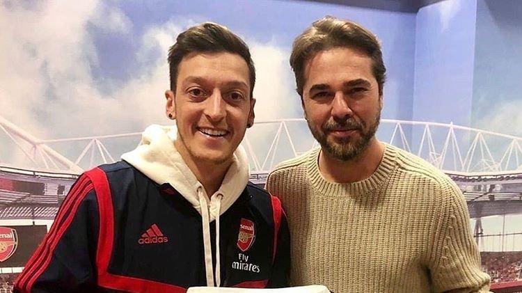 Mesut Özil'e iade-i ziyaret