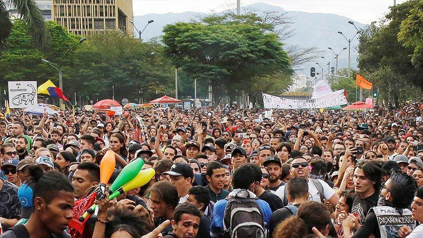 Kolombiya'da korkulan oldu! Halk yeniden sokakta...