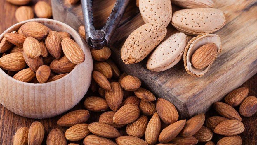 Bademin besin değerleri ve kalorisi… Badem kaç kalori?
