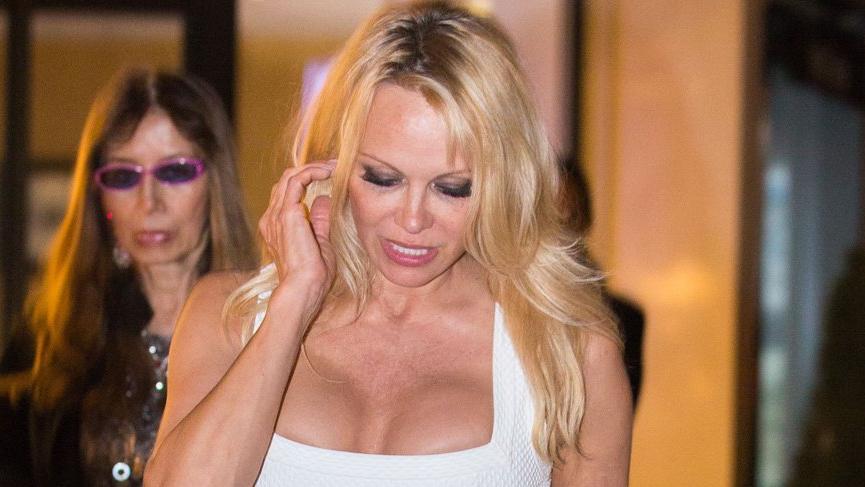 Pamela Anderson, Jon Peters ile evlendi
