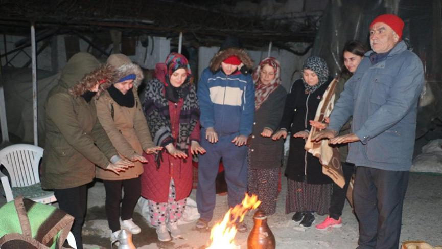 Manisa Akhisar'daki deprem sonrası vatandaşlar tedirgin!