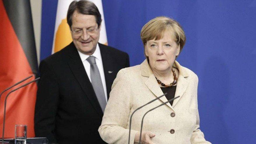 Rum kesimi, Merkel'den 'Türkiye' için destek istedi!