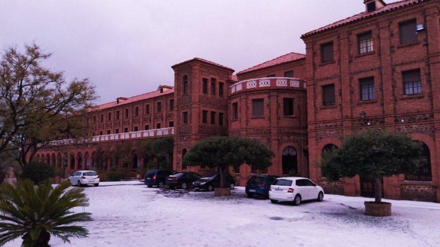 Malaga beyaza büründü, şehirde turuncu alarm verildi