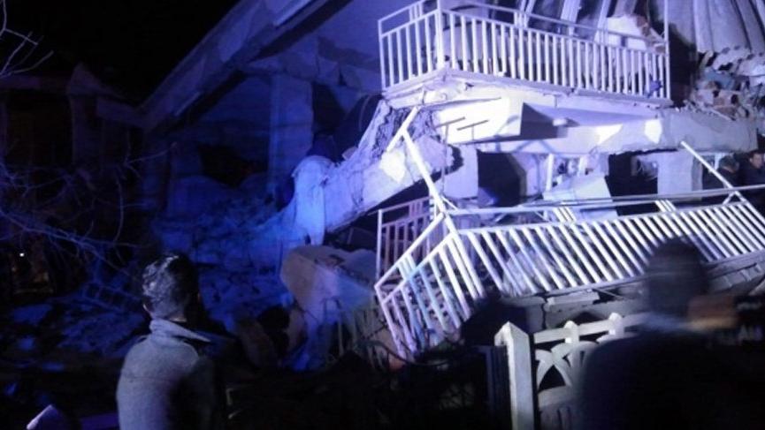 Bakan Dönmez'den Elazığ depremi açıklaması: Yer yer kesintiler söz konusu