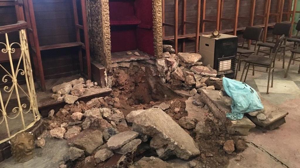 Balat'ta filmleri aratmayan operasyon! Kiliseden tarihi eser çalan hırsızlar yakalandı