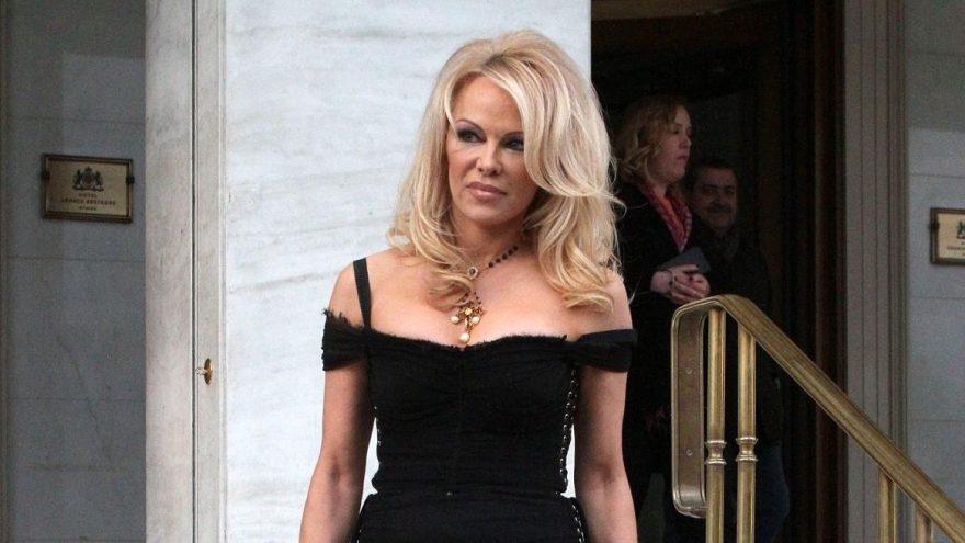 Pamela Anderson evlendikten sonra ilk kez eşiyle fotoğrafını paylaştı