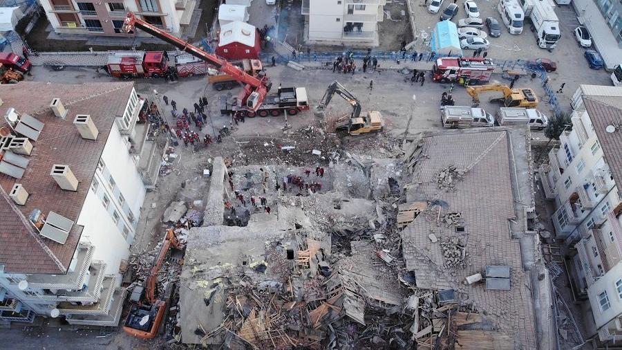 Son dakika... Elazığ depreminde 38 kişi öldü, 1607 kişi yaralandı