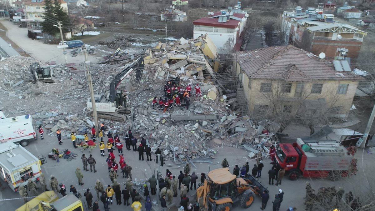 3 kişinin yaşamını yitirdiği binaya oturulabilir raporu!