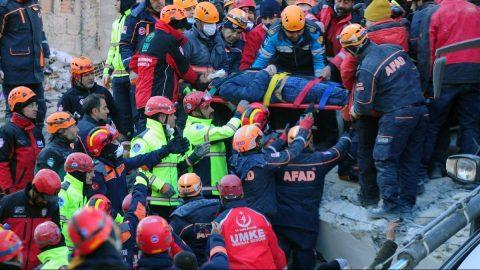 Elazığ depreminde hayatını kaybedenlerin isimleri belli oldu! Yaralı isimleri de açıklandı…
