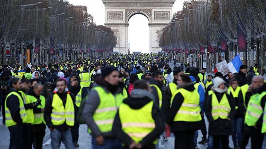 Fransa'da eylemcileri sakatlayan gaz bombası yasaklandı!