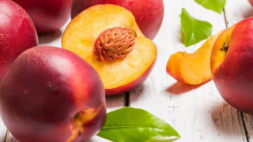 Nektarin kaç kalori? Nektarinin besin değerleri ve kalorisi…