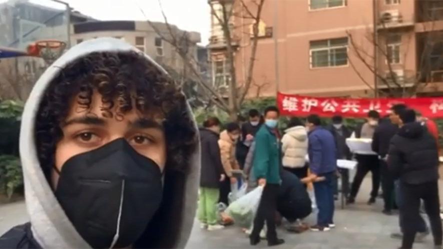 Corona paniği büyüyor dünya alarmda! Çin'deki Türk öğretmen sokaklardaki durumu anlattı