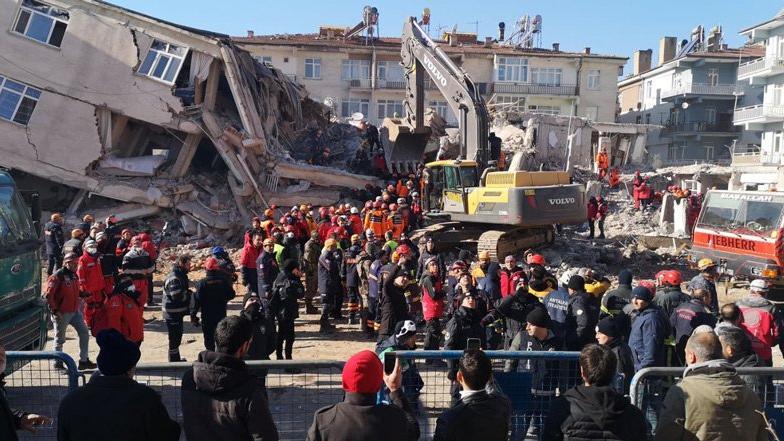 İlhan Kesici: Deprem bakanlığı kurulmalı