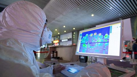 Çin, Türkleri uyardı: Sokağa çıkmayın! Dünyada Corona virüsü alarmı