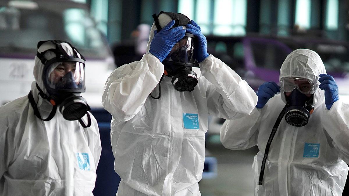 Corona virüsü İngiltere'ye de sıçradı: İki kişide görüldü