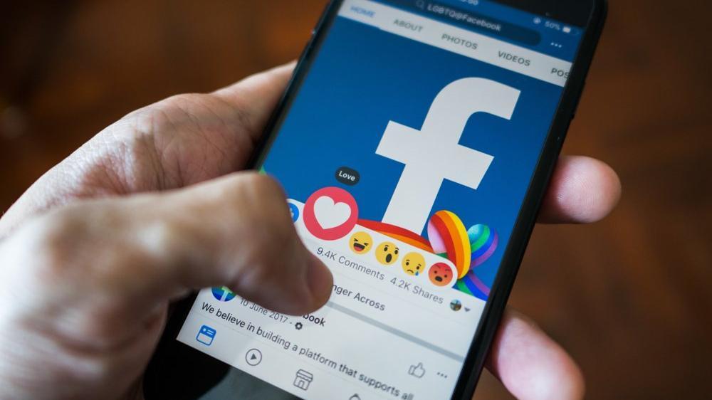 Facebook'un değeri bir günde 30 milyar dolar eridi