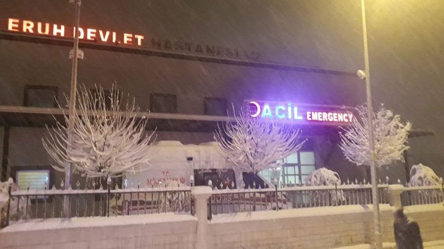 Siirt'te gıda zehirlenmesi! 5 kişi hastaneye kaldırıldı