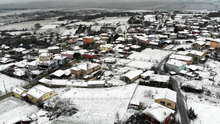 Meteoroloji'den soğuk hava uyarısı! İstanbul'a kar göründü