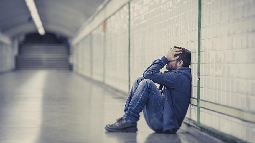 'Gençler borç ve işsizlik sarmalında'