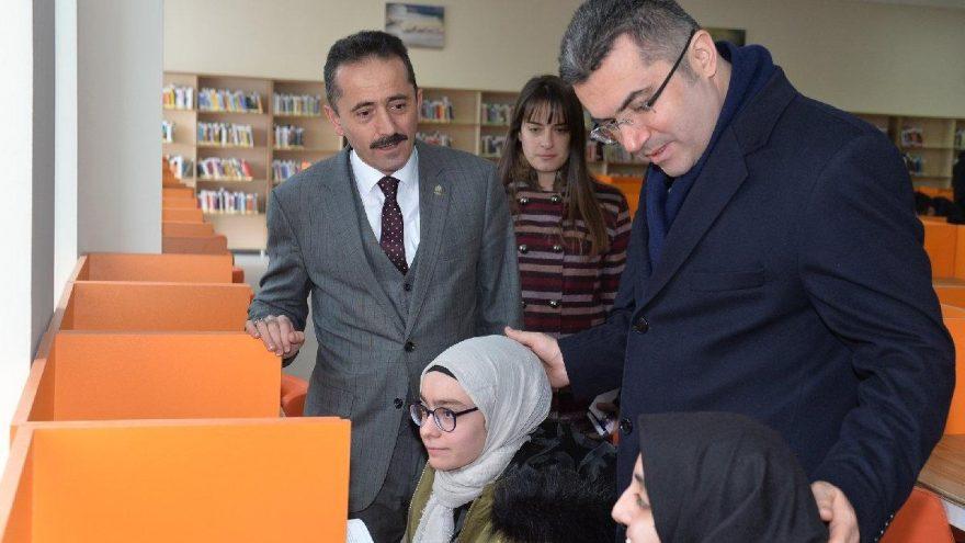 Türkiye'nin en büyük kütüphanesi Erzurum'da hizmete açıldı